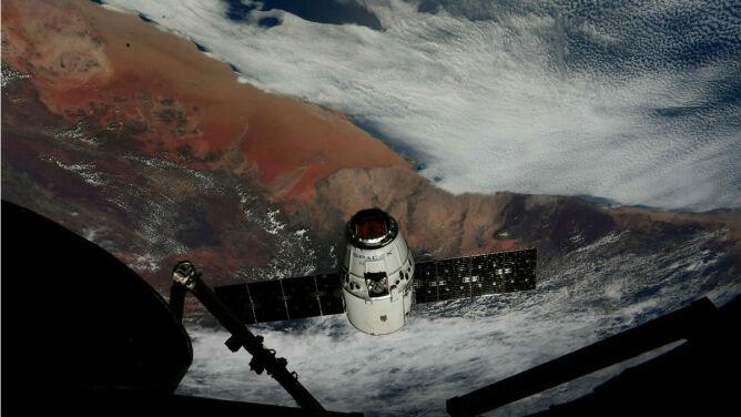 Dragon dotarł do stacji kosmicznej. <br />Na pokładzie ponad dwie tony ładunku