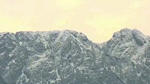 Trudne warunki w Tatrach. Uwaga, szlaki są oblodzone