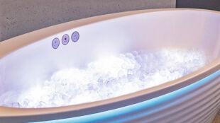 Kąpiel w kostkach lodu czyli sposób na szybszą regenerację mięśni